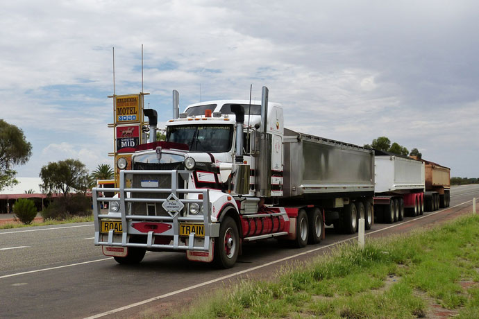 Benefits of Using A Finance Broker for Truck Finance